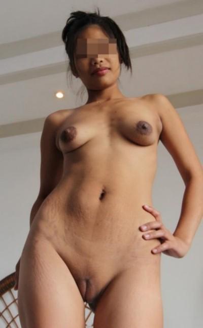 Femme perverse veut pomper et avaler le sperme sur Mulhouse